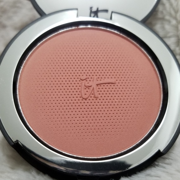 it cosmetics Other - it COSMETICS NATURALLY PRETTY BRIGHTENING BLUSH